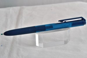 """Uni гелевая ручка UMN-155 """"Signo""""."""