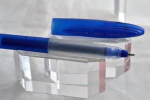 """Uni гелевая ручка UM-170 """"Signo""""."""