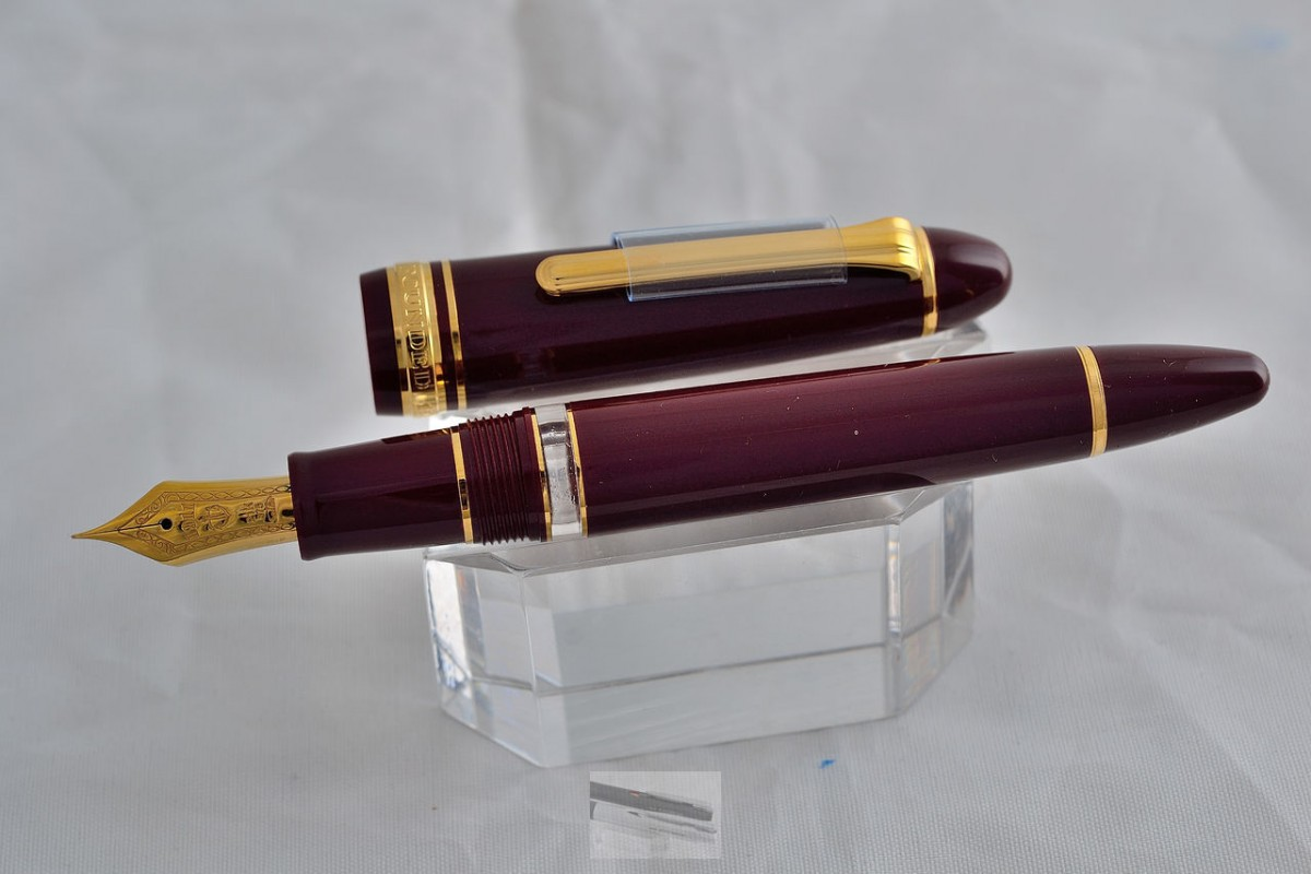 Sailor Fountain Pen 1911 Profit REALO Maroon color