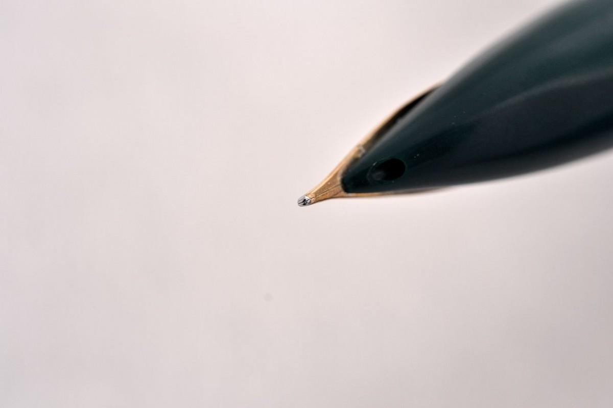 "Pilot Fountain Pen ""Lady"" 14kt Fine Nib"