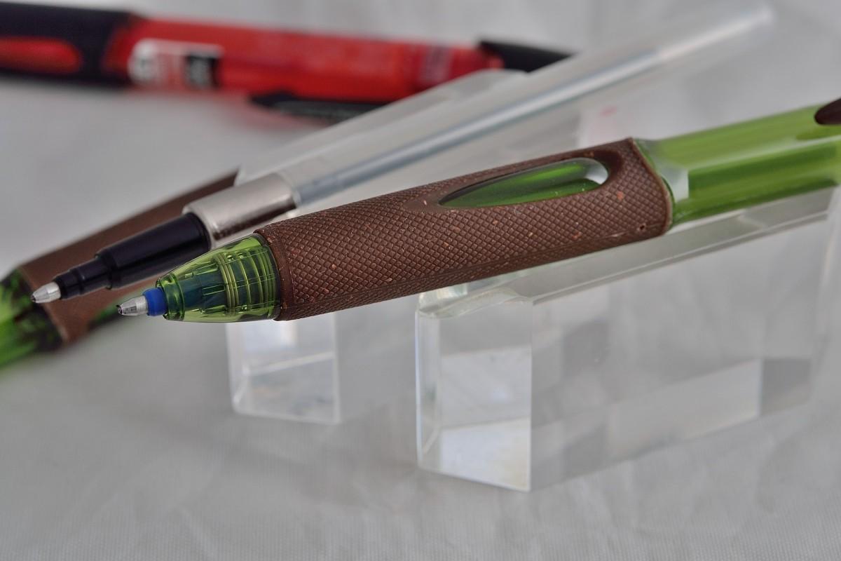 """Uni шариковая ручка SN-220 EKO  """"Power Tank"""" синяя."""