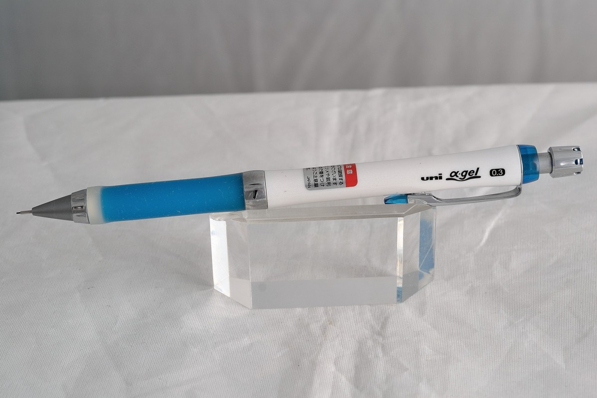 "Uni механический карандаш 0.3 мм ""Alfa Gel""."