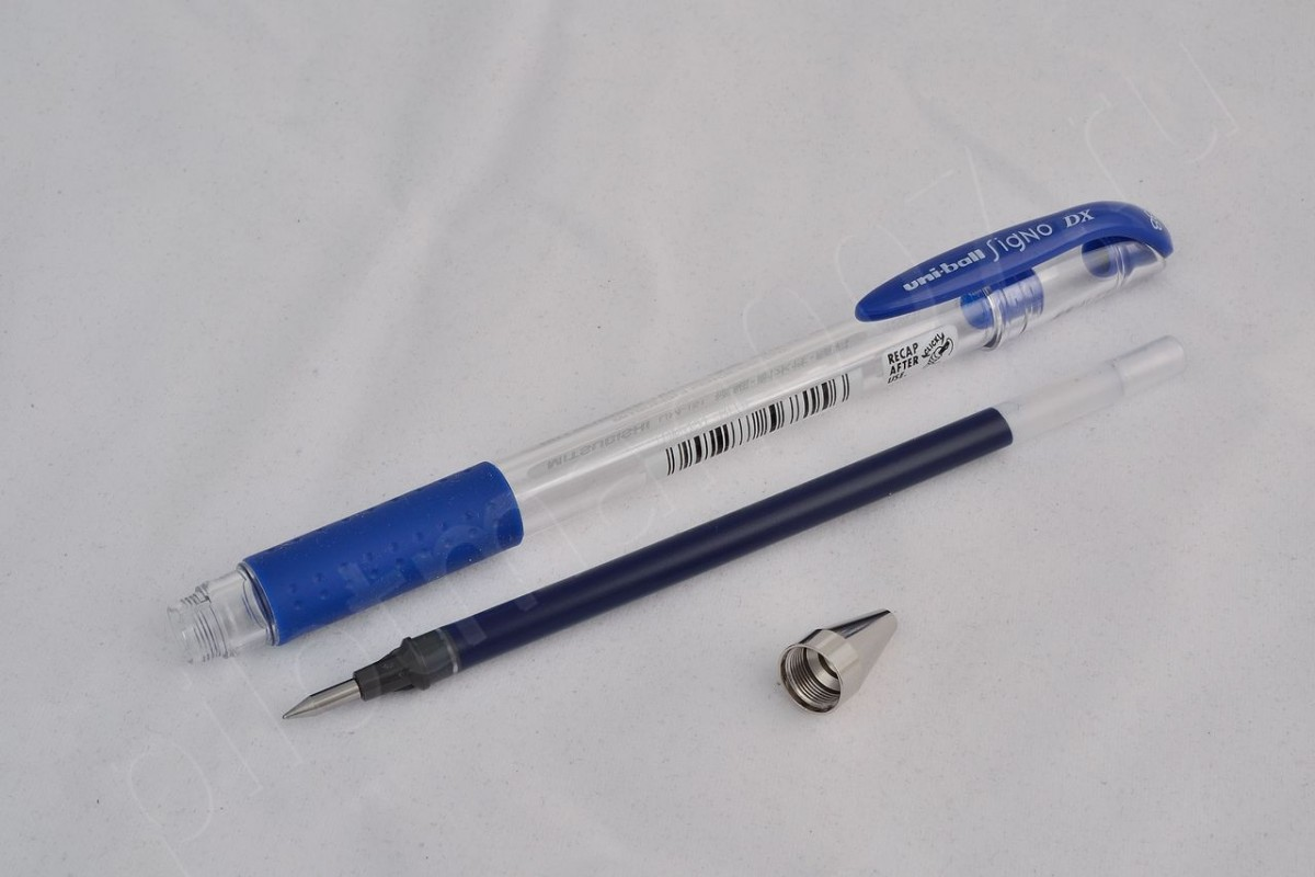 """Uni гелевая ручка UM-151(0.38) """"Signo DX""""."""