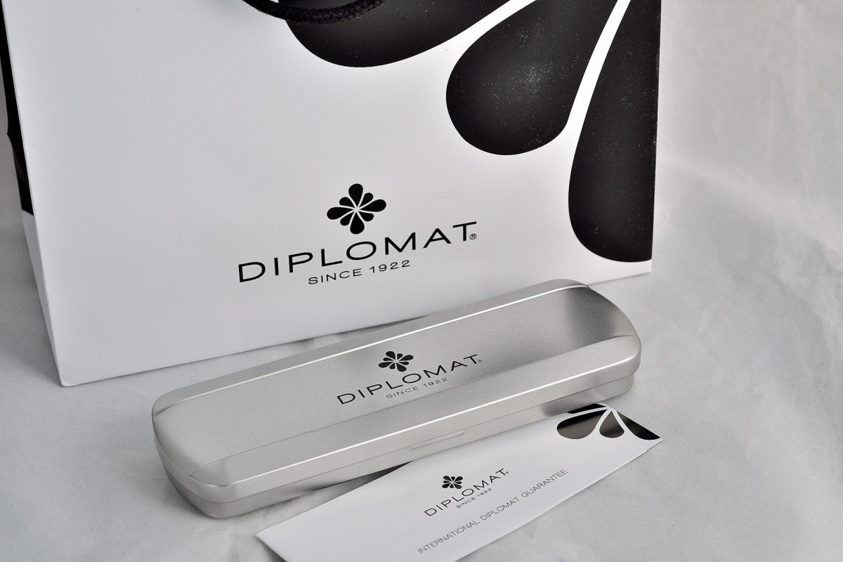 "Diplomat роллер ""TRAVELLER"" Stainless Steel Gold."
