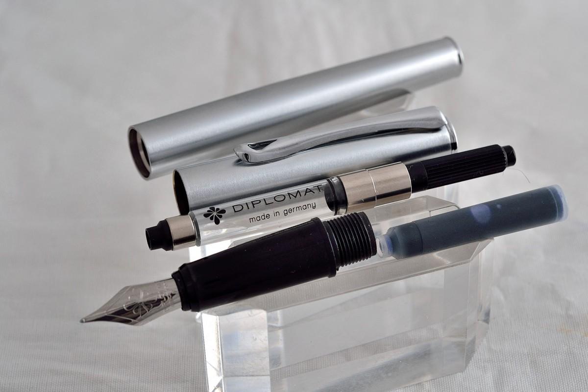 "Diplomat перьевая ручка ""ESTEEM"" Stainless Steel."