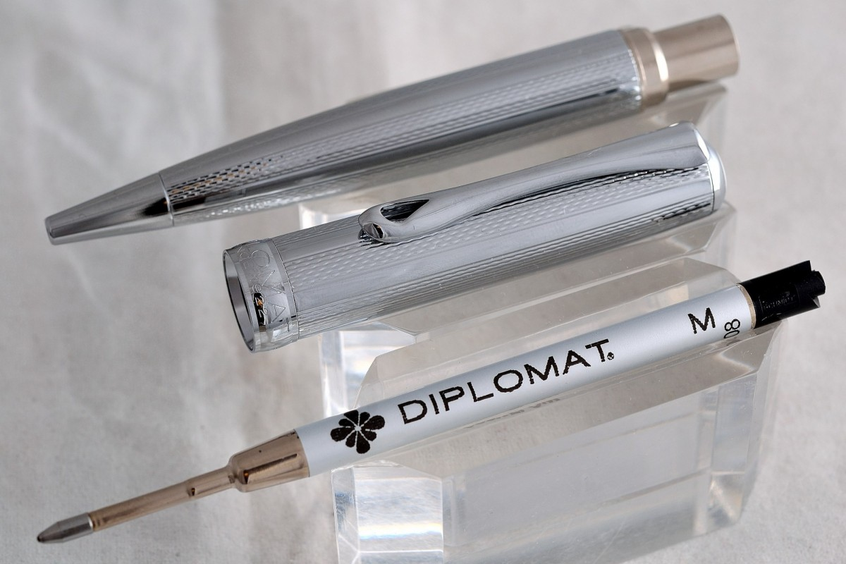 """Diplomat шариковая ручка """"EXCELLENCE A""""  Guilloche Stripes Chrom."""