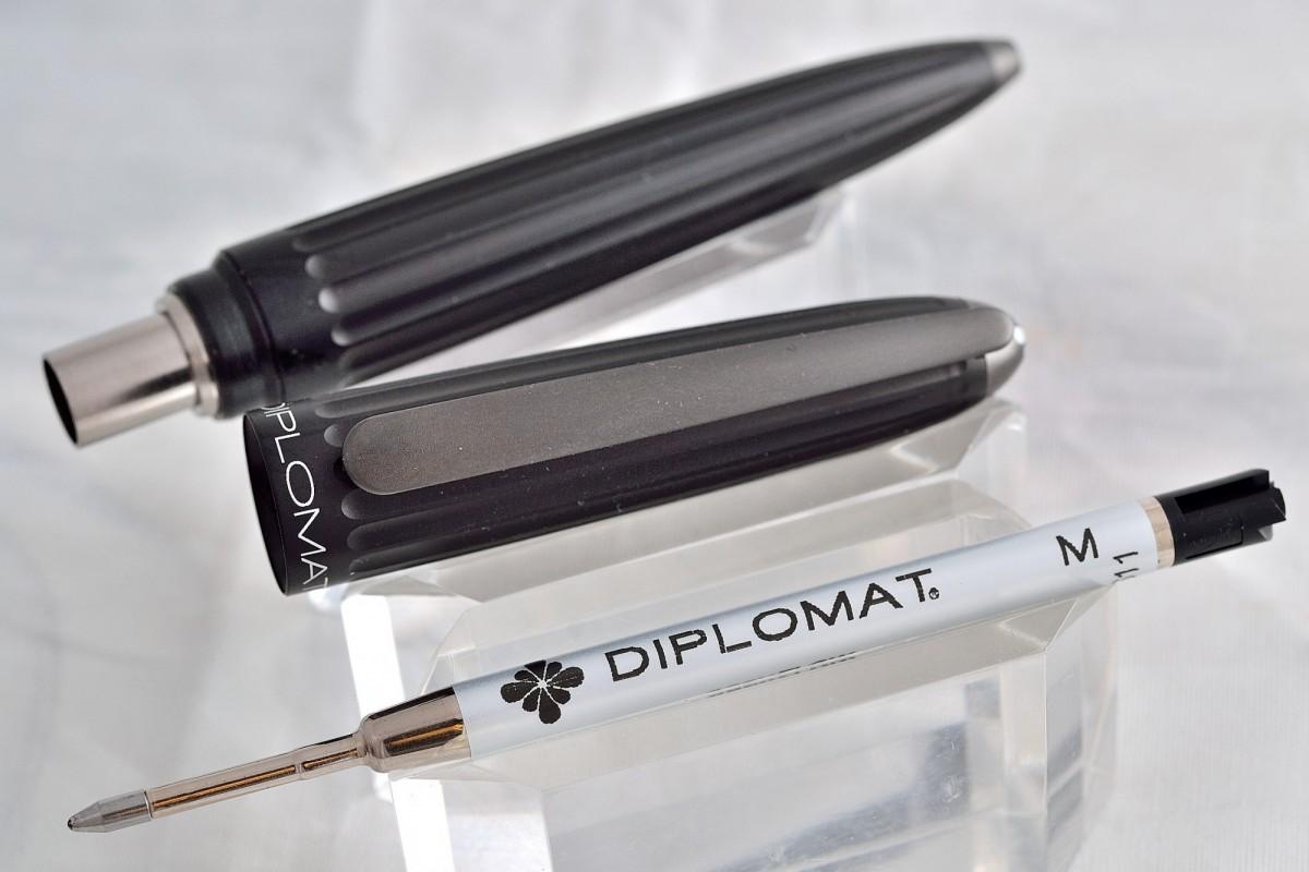 "Diplomat шариковая ручка ""AERO"" Black."