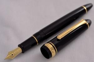 Sailor Fountain Pen. Profit 1911 Standart 14kt Gold Extra Fain nib