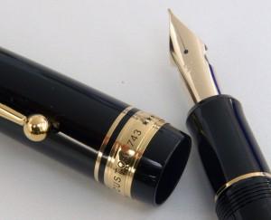 "Pilot перьевая ручка FKK-3000R-B-FA Custom 743 ""Falcon""."