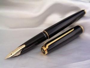 Big Nib-14kt-F PILOT Custom Black F/Pen1976sVintage