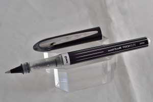 "Uni капиллярная ручка UB-200 SE ""Vision Elite Special Edition""."