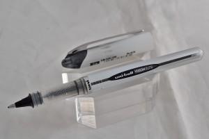 "Uni капиллярная ручка UB-200 (08) ""Vision Elite""."